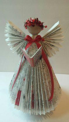 angelo con libri sweets.jpg